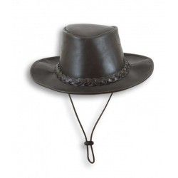 Sombrero de piel con cinta.